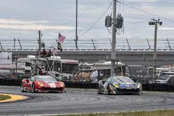 #51 Spirit of Race, Ferrari 488 GT3: Peter Mann, Maurizio Mediani, Alessandro Pier Guidi, Davide Rigon; #63 Scuderia Corsa, Ferrari 488 GT3: Christina Nielsen, Alessandro Balzan, Sam Bird, Matteo Cressoni
