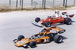 Eddie Keizan, Lotus 72E-Ford, ve Clay Regazzoni,  Ferrari 312T