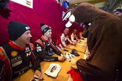Dani Sordo, Marc Marti, Hyundai Motorsport,  firma de autógrafos