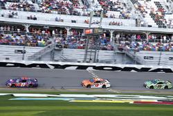 Matt Kenseth, Joe Gibbs Racing, Toyota; Daniel Suarez, Joe Gibbs Racing, Toyota; Denny Hamlin, Joe Gibbs Racing, Toyota