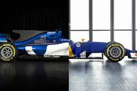 Perbandingan mobil Sauber C35 dengan C36