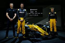 Serguei Sirotkin, Renault Sport F1 tercer piloto del equipo Renault Sport F1 Team, Jolyon Palmer y Nico Hulkenberg, Renault Sport F1 Team