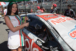 Hot Castrol girl for Rick Kelly, Nissan Motorsports