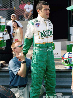 Franchitti stretching