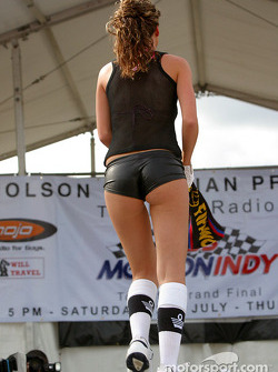 Miss Molson Indy 2003: the streetwear part