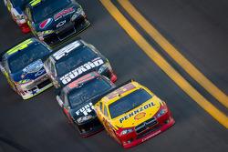 Kurt Busch, Penske Racing Dodge, Regan Smith, Furniture Row Racing Chevrolet, Dale Earnhardt Jr., Hendrick Motorsports Chevrolet, Jimmie Johnson, Hendrick Motorsports Chevrolet