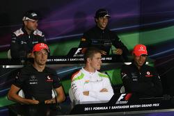 Rubens Barrichello, Williams F1 Team, Daniel Ricciardo, Hispania Racing Team, HRT, Paul di Resta, Force India F1 Team and Lewis Hamilton, McLaren Mercedes