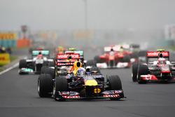 Sebastian Vettel, Red Bull Racing lidera el inicio de la carrera