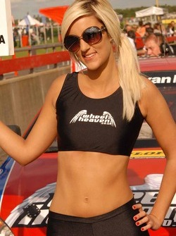 Central Group Racing Grid Girl to Lea Wood
