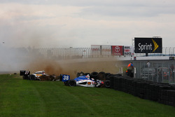 Mike Conway, Andretti Autosport and Graham Rahal, Service Central Chip Ganassi Racing crash on the backstretch