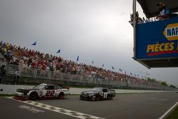 Jacques Villeneuve, Penske Racing Dodge and Brian Scott, Joe Gibbs Racing Toyota