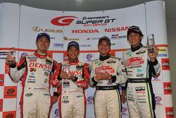 GT500 pole winners Hiroaki Ishiura, Takuto Iguchi, GT300 pole winners Nobuteru Taniguchi, Taku Bamba