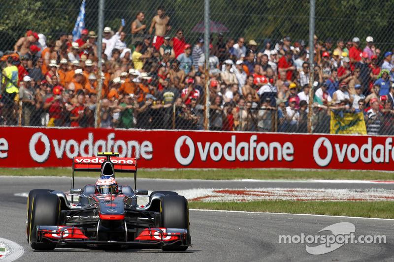 2011 - McLaren MP4-26 (Mercedes engine)