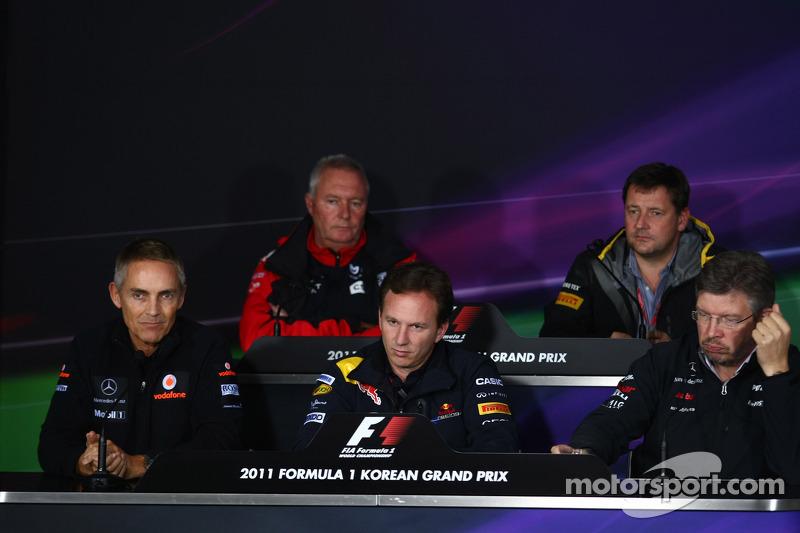 Martin Whitmarsh, McLaren, Chief Executive Officer with Christian Horner, Red Bull Racing, Sporting Director, Ross Brawn, Pirelli Motorspor Director