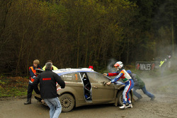 Trouble for Mikko Hirvonen and Jarmo Lehtinen, Ford Fiesta RS WRC, BP Ford Abu Dhabi World Rally Team