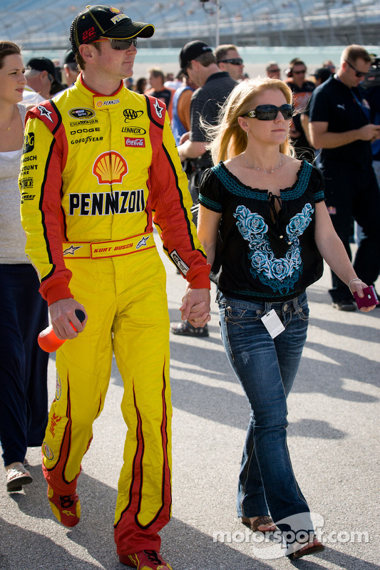 Nascar Cup Homestead Kurt Busch Penske Racing Dodge With Girlfriend Patricia Driscoll