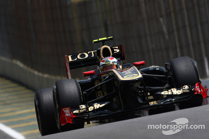 Виталий Петров, Lotus Renault GP