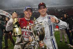 Le vainqueur Sébastien Ogier et Tom Kristensen
