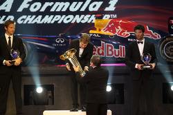 Чемпион Формулы 1 - Себастьян Феттель, второе место - Дженсон Баттон, третье место - Марк Уэббер