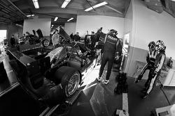 Pit stop practice for #90 Spirit of Daytona Chevrolet Corvette DP: Antonio Garcia, Oliver Gavin, Richard Westbrook, Jan Magnussen