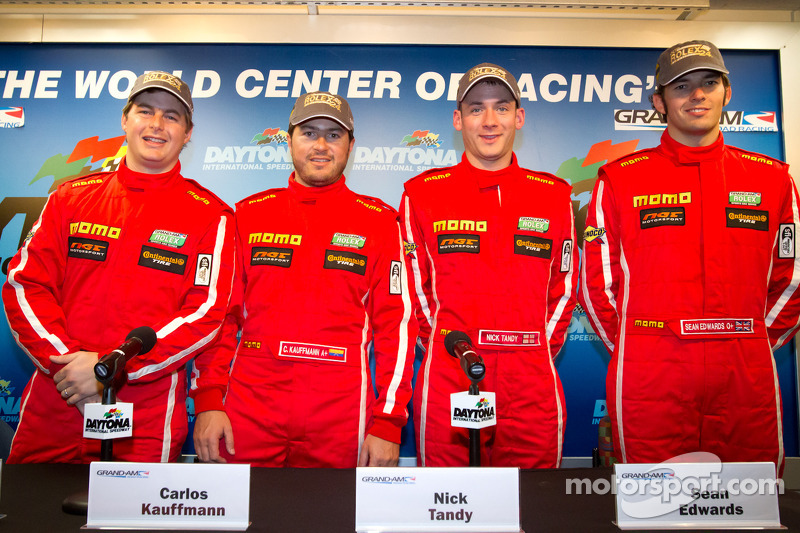 Momo NGT Motorsport press conference: Henrique Cisneros, Carlos Kauffmann, Nick Tandy and Sean Edwards