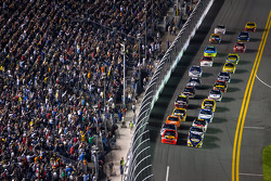 Martin Truex Jr., Michael Waltrip Racing Toyota and Jamie McMurray, Earnhardt Ganassi Racing Chevrolet lead the field to the start