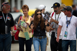 Danica Patrick, Stewart-Haas Racing Chevrolet with her fans