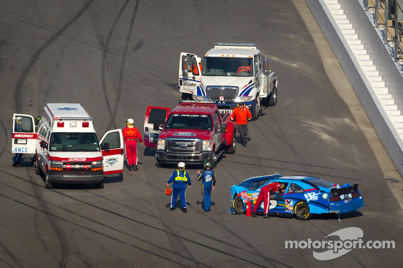 Ricky Stenhouse Jr., Roush Fenway Ford na crash