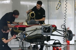 HRT Formula One Team mechanics