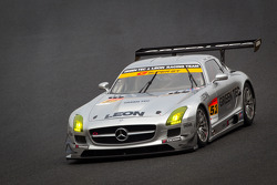 #52 Green Tec & Leaon Racing Team Mercedes-Benz SLS AMG GT3: Hironori Takeuchi, Haruki Kurosawa