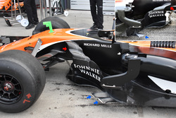 Боковые дефлекторы McLaren MCL32