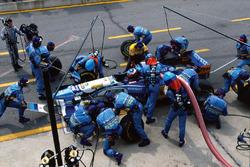 Michael Schumacher, Benetton B195, pit stop action