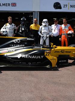 Nico Hulkenberg, Renault Sport F1 Team, Cyril Abiteboul, Renault Sport F1 Managing Director, Storm Trooper, Jerome Stoll, Director of Renault Sport F1, Jolyon Palmer, Renault Sport F1 Team