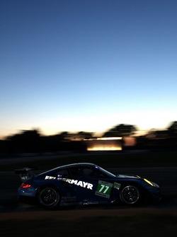 #77 Team Felbermayr-Proton Porsche 911 RSR: Marc Lieb, Richard Lietz, Patrick Pilet