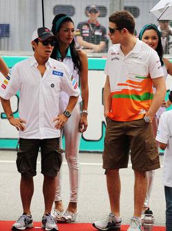 Kamui Kobayashi, Sauber en Paul di Resta, Sahara Force India F1 op rijdersparade