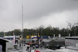Raceday - clearing skies...