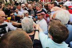 Bernie Ecclestone, CEO Formula One Group, met Crown Prince Shaikh Salman bin Isa Hamad Al Khalifa