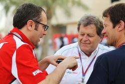 Stefano Domenicali, Scuderia Ferrari Direktörüü ve Norbert Haug, Mercedes Direktör