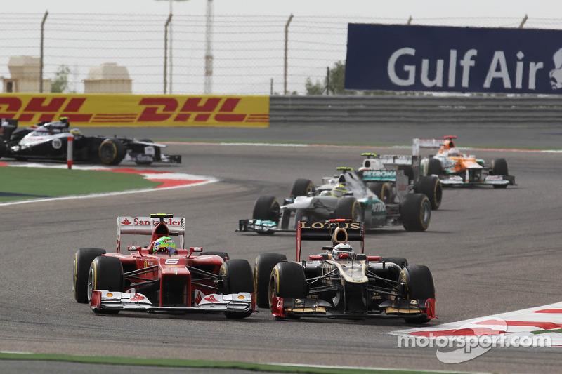 Felipe Massa, Ferrari en Kimi Raikkonen, Lotus vechten voor positie