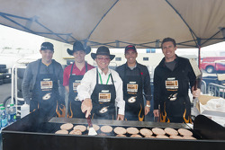 Roush-Fenway drivers cook some burgers with Jack Roush