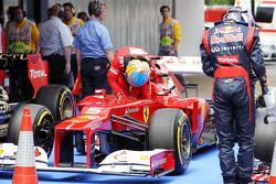 Fernando Alonso, Scuderia Ferrari en Sebastian Vettel, Red Bull Racing in parc ferme