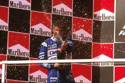 Podium: tweede Damon Hill, Arrows