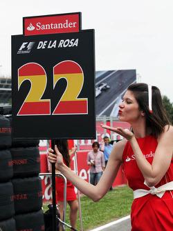 Grid girl for Pedro De La Rosa, HRT Formula 1 Team