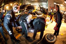 Pit stop for #16 Black Falcon Mercedes-Benz SLS AMG GT3: Hannes Plesse, Andrii Lebed, Christian Bracke, Reinhold Renger