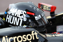 Kimi Raikkonen, Lotus F1 wearing a James Hunt themed, kask