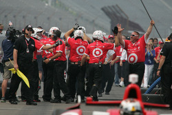 Scott Dixon, Target Chip Ganassi Racing Honda team celebrates after winning the pit stop competition