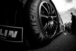 #8 Toyota Racing Toyota TS 030 - Hybrid Michelin tire