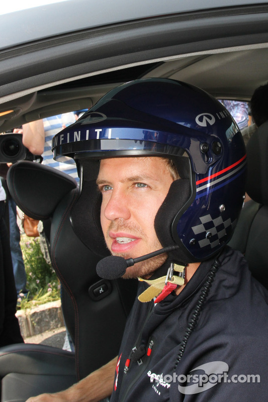 Sebastian Vettel, Red Bull Racing does a lap of the proposed track layout