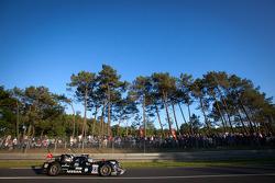 #23 Signatech Nissan Oreca 03 Nissan: Franck Mailleux, Jordan Tresson, Olivier Lombard