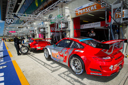 #79 Flying Lizard Motorsports Porsche 911 RSR